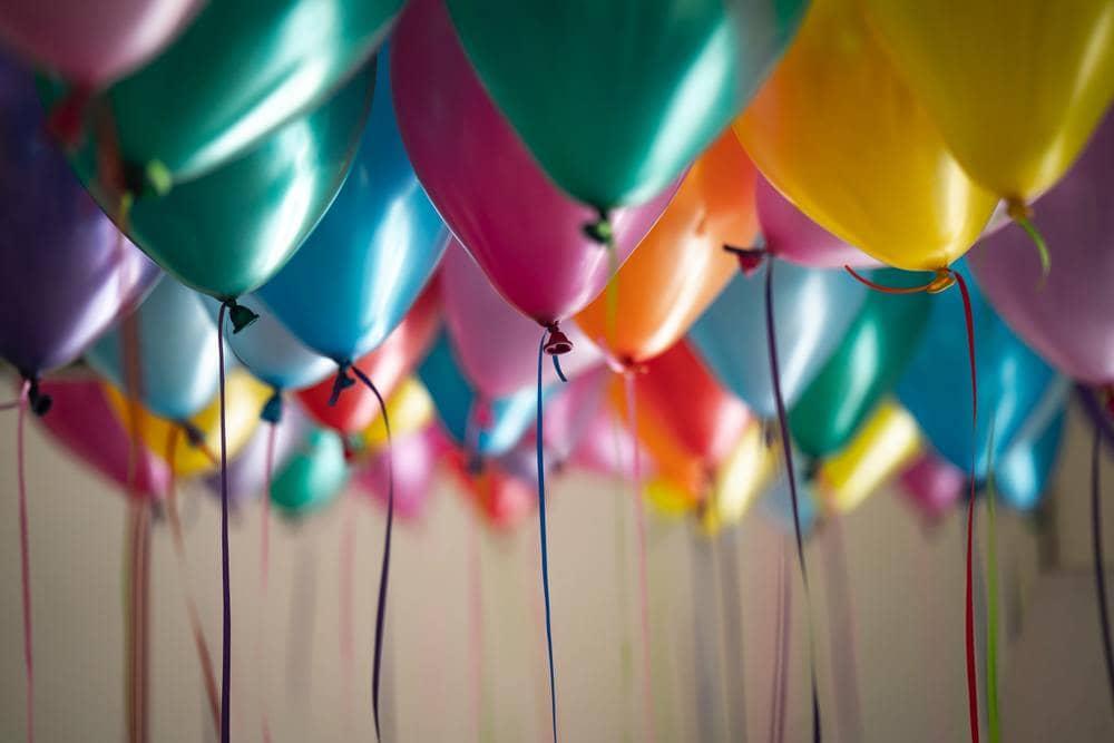 記念日をお祝いする風船